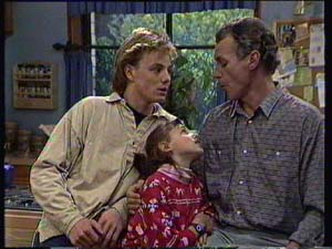 Scott Robinson, Jim Robinson, Lucy Robinson in Neighbours Episode 0329