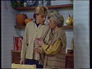 Helen Daniels, Scott Robinson in Neighbours Episode 0329