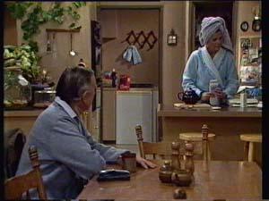 Dan Ramsay, Madge Mitchell in Neighbours Episode 0330
