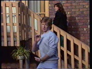 Clive Gibbons, Susan Cole in Neighbours Episode 0330