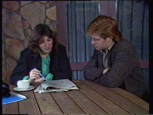 Susan Cole, Clive Gibbons in Neighbours Episode 0330