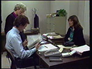 Helen Daniels, Paul Robinson, Susan Cole in Neighbours Episode 0330