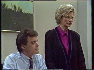 Paul Robinson, Helen Daniels in Neighbours Episode 0330