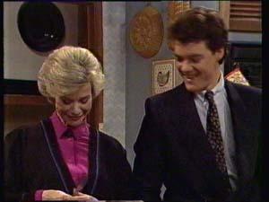 Helen Daniels, Paul Robinson in Neighbours Episode 0331