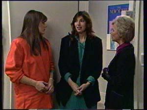 Zoe Davis, Susan Cole, Helen Daniels in Neighbours Episode 0331