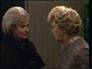 Helen Daniels, Edna Ramsay  in Neighbours Episode 0333