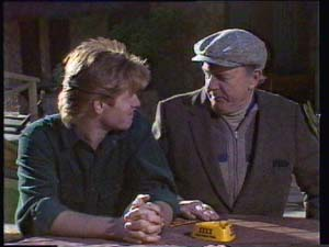 Dan Ramsay, Clive Gibbons in Neighbours Episode 0334
