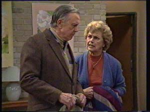 Dan Ramsay, Edna Ramsay in Neighbours Episode 0334