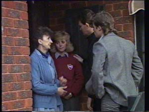Nell Mangel, Jane Harris, Des Clarke, Mike Young in Neighbours Episode 0335