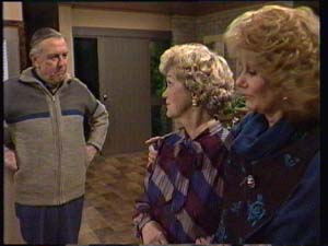 Dan Ramsay, Edna Ramsay, Madge Mitchell in Neighbours Episode 0335
