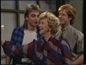 Edna Ramsay, Shane Ramsay, Clive Gibbons in Neighbours Episode 0335
