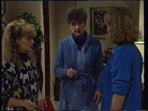 Charlene Mitchell, Nell Mangel, Madge Mitchell in Neighbours Episode 0335