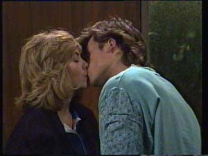 Jane Harris, Mike Young in Neighbours Episode 0335