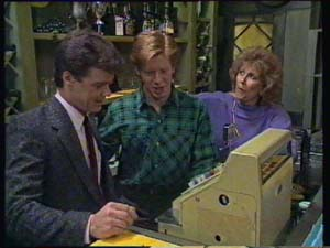 Paul Robinson, Clive Gibbons, Madge Mitchell in Neighbours Episode 0337