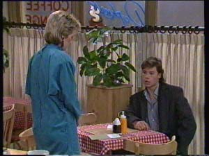 Daphne Clarke, Mike Young in Neighbours Episode 0337