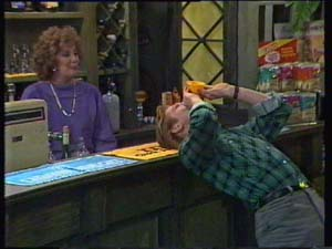 Madge Bishop, Clive Gibbons in Neighbours Episode 0337