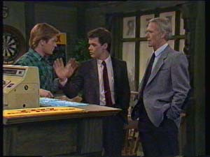 Clive Gibbons, Paul Robinson, Ray Murphy in Neighbours Episode 0337