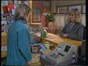 Daphne Clarke, Jane Harris in Neighbours Episode 0337