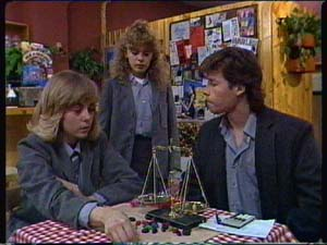 Charlene Mitchell, Jane Harris, Mike Young in Neighbours Episode 0338