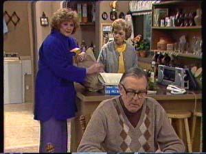 Madge Mitchell, Edna Ramsay, Dan Ramsay in Neighbours Episode 0338