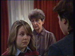 Sue Parker, Nell Mangel, Mike Young in Neighbours Episode 0338