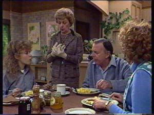 Charlene Mitchell, Edna Ramsay, Dan Ramsay, Madge Mitchell in Neighbours Episode 0338