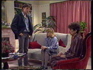 Mike Young, Jane Harris, Nell Mangel in Neighbours Episode 0338