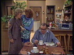 Edna Ramsay, Madge Mitchell, Dan Ramsay in Neighbours Episode 0338
