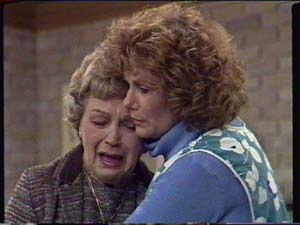 Edna Ramsay, Madge Mitchell in Neighbours Episode 0339