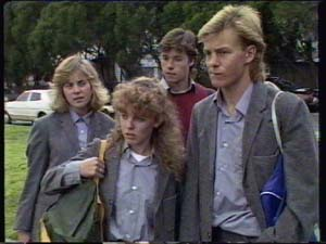 Jane Harris, Charlene Mitchell, Mike Young, Scott Robinson in Neighbours Episode 0339