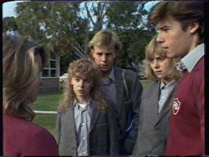 Charlene Mitchell, Scott Robinson, Jane Harris, Mike Young in Neighbours Episode 0339