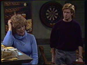 Madge Mitchell, Clive Gibbons in Neighbours Episode 0339