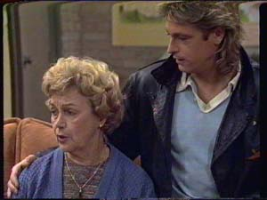Edna Ramsay, Shane Ramsay in Neighbours Episode 0339