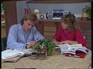Scott Robinson, Charlene Mitchell in Neighbours Episode 0340