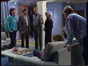 Mike Young, Bill Parker, Jim Robinson, Helen Daniels, Charlene Mitchell, Scott Robinson in Neighbours Episode 0340