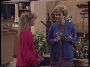 Charlene Mitchell, Edna Ramsay in Neighbours Episode 0340