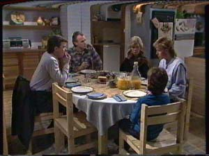 Helen Daniels, Jim Robinson, Lucy Robinson, Paul Robinson, Scott Robinson in Neighbours Episode 0340