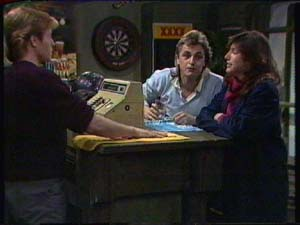 Clive Gibbons, Shane Ramsay, Susan Cole in Neighbours Episode 0340