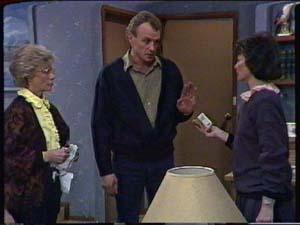 Helen Daniels, Jim Robinson, Ruth Wilson in Neighbours Episode 0340
