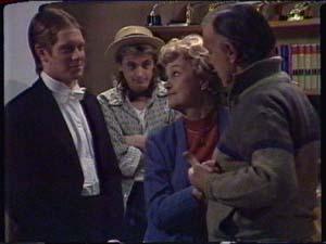 Clive Gibbons, Shane Ramsay, Edna Ramsay, Dan Ramsay in Neighbours Episode 0340