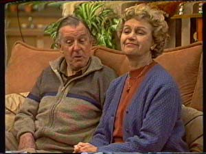 Dan Ramsay, Edna Ramsay in Neighbours Episode 0341