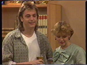 Shane Ramsay, Charlene Mitchell in Neighbours Episode 0341