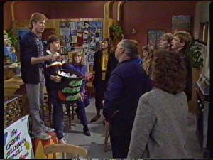 Clive Gibbons, Mike Young, Jane Harris, Susan Cole in Neighbours Episode 0341