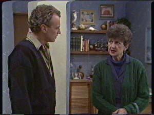 Jim Robinson, Nell Mangel in Neighbours Episode 0342