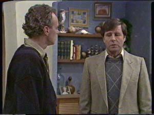 Jim Robinson, Bill Parker in Neighbours Episode 0342