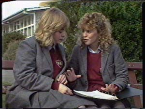 Charlene Mitchell, Jane Harris in Neighbours Episode 0343
