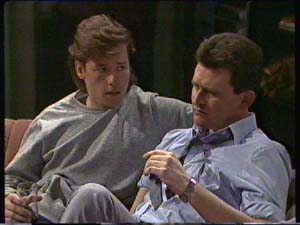 Mike Young, Des Clarke in Neighbours Episode 0344