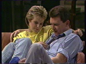 Daphne Clarke, Des Clarke in Neighbours Episode 0344