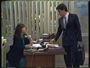 Susan Cole, Paul Robinson in Neighbours Episode 0345