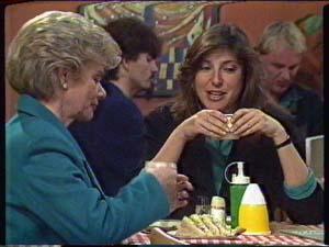 Helen Daniels, Susan Cole in Neighbours Episode 0345